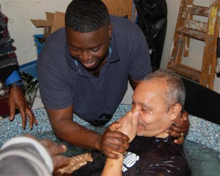 В церкви Нью-Йорка крестились сразу 28 человек