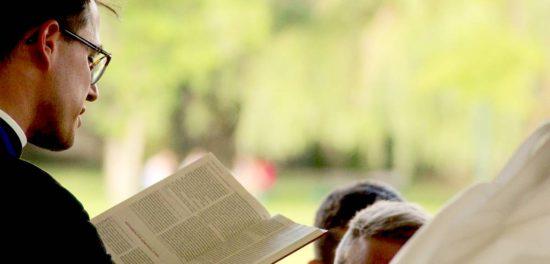 Почему христианские собрания проходят по воскресеньям?