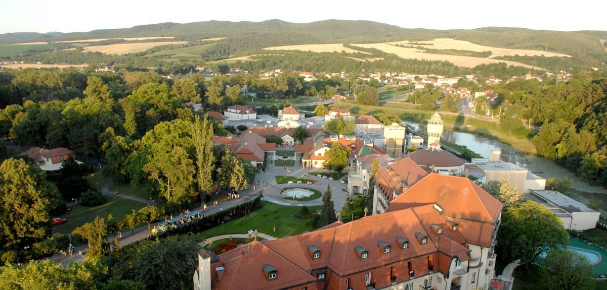 Первая христианская служба в Церкви Пьештяны, Словакия