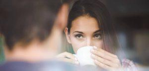 Может ли женщина проповедовать в церкви и учить мужчину?