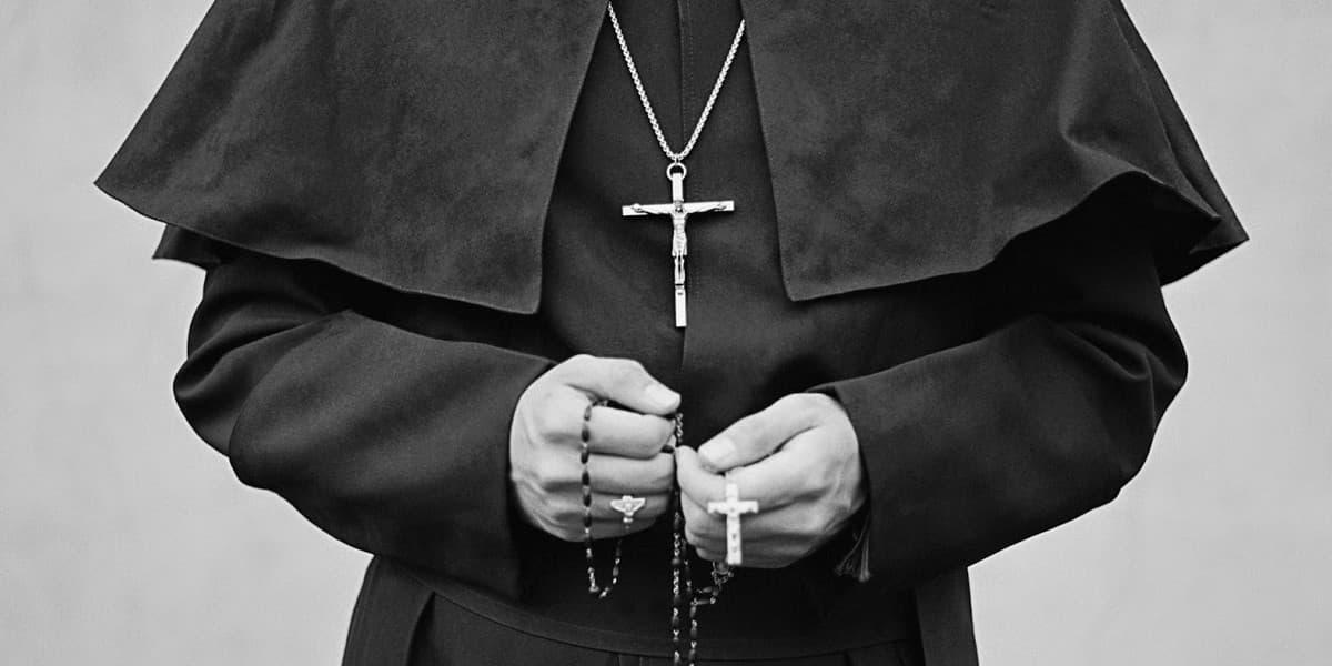 Каковы обязанности дьякона и старейшины в церкви?