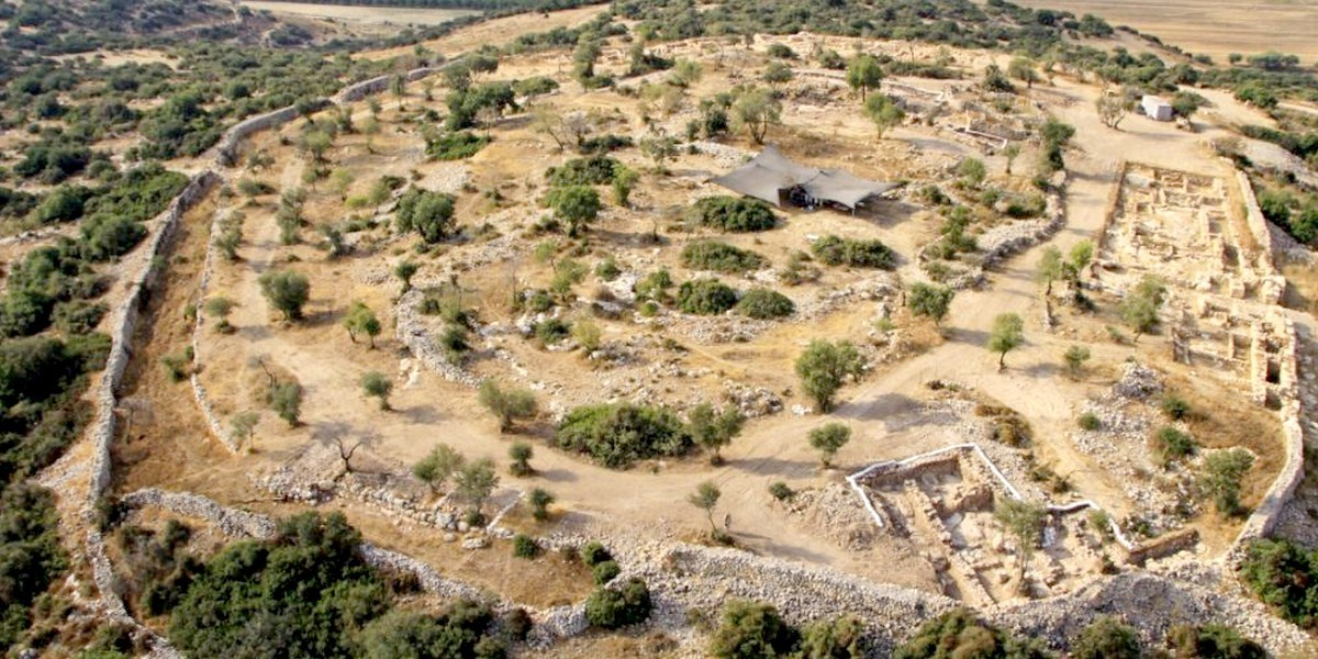 Археологи нашли керамику времен царя Давида с еврейским текстом