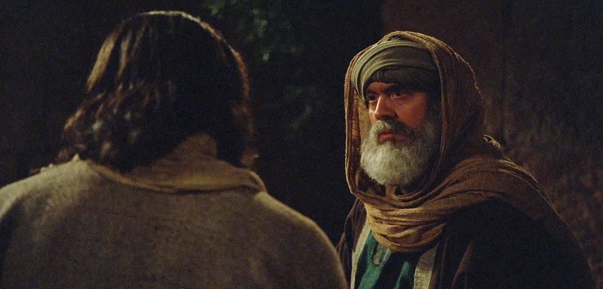Иисус с Никодимом говорил о крещении или околоплодных водах?
