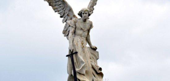 Иисус Христос - это Архангел Михаил согласно Библии?