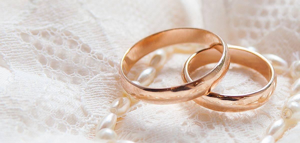 Почему Бог позволял многоженство в Библии, а сейчас нет?