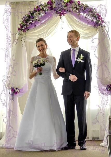 Венчание в церкви Екатеринбурга увидели десятки людей