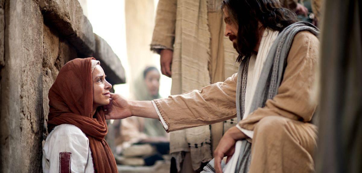 Как можно служить Иисусу Христу, ведь Он был человеком?