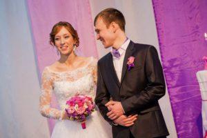 Свадьба в новосибирской церкви: венчание Павла и Валентины