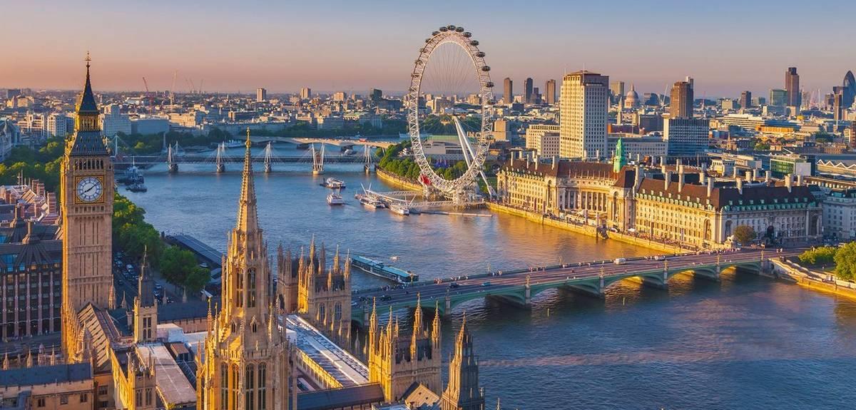 Лондонская церковь Христа устроила праздник для 1100 женщин