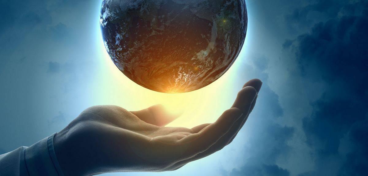 Если Бог создал всю Вселенную, то кто создал Бога?