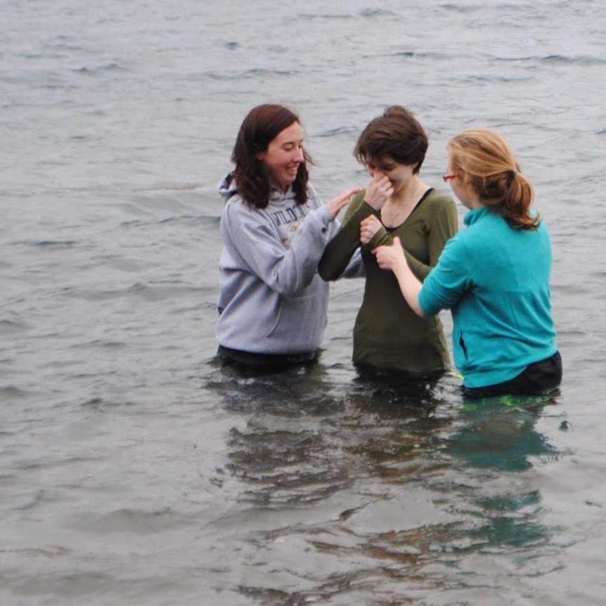 Крещение в Канаде: Еще одна спасенная душа нашла Бога