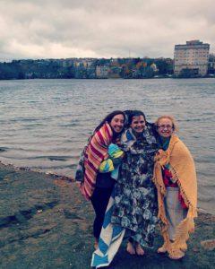 Крещение в Торонто (Канада): еще одна спасенная душа нашла Бога