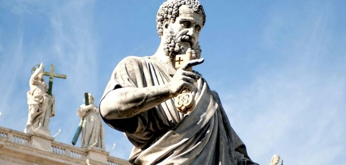 Кого из апостолов распяли вниз головой - Петра?