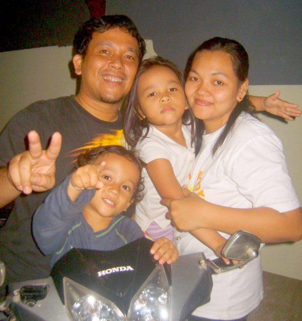 Крещение в Джакарте: подростки принимают христианство