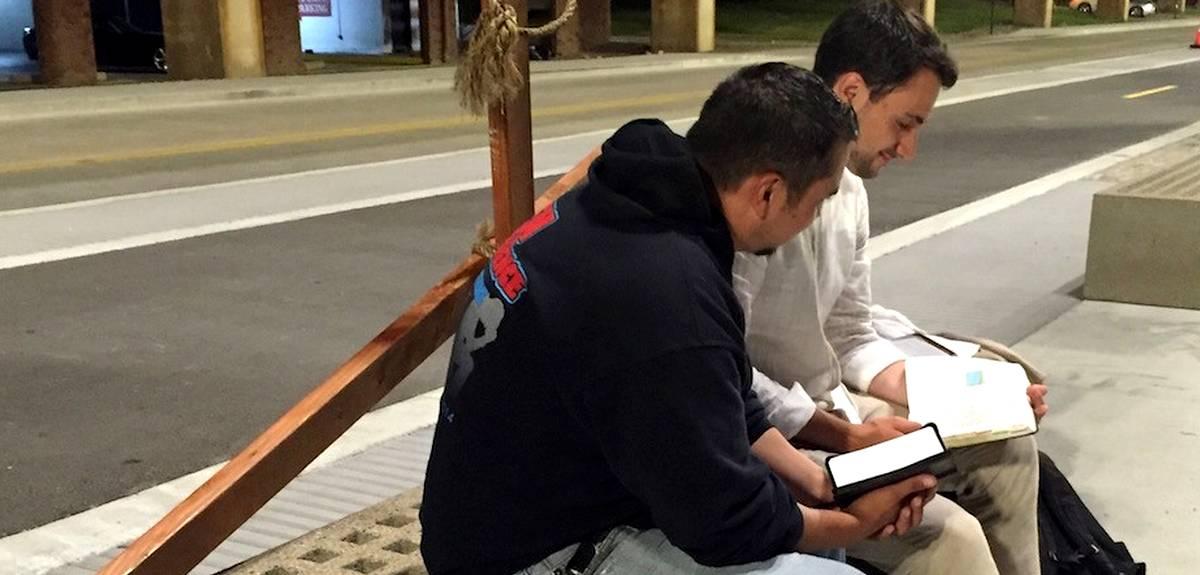 Крещение в Сент-Луисе, США: парень носил на себе огромный крест