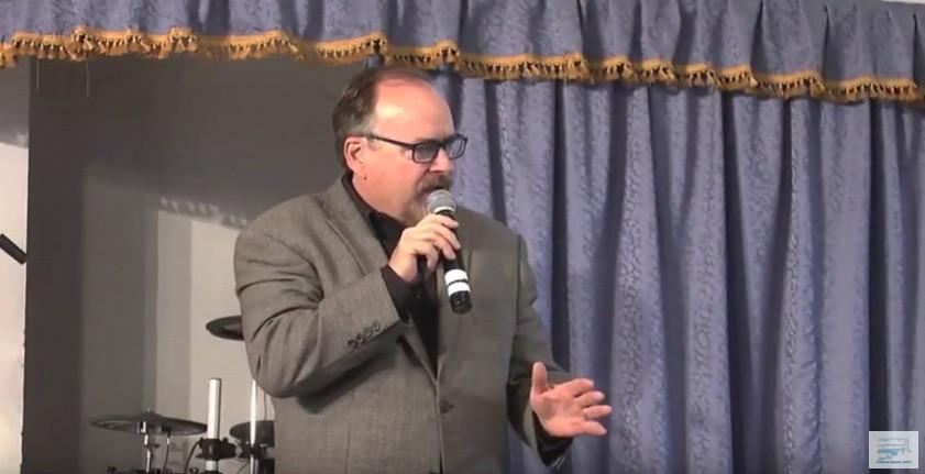 О пении в церкви: У Господа есть слава и почёт.