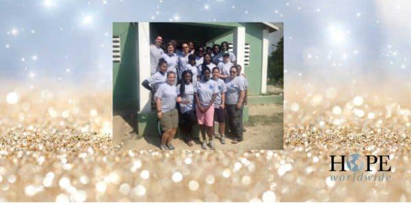31 крещение в церкви Христа в Порт-о-Пренс, Гаити