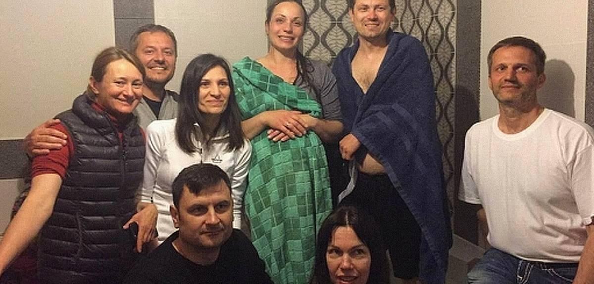 Сестра с мужем крестились в Киеве из-за истории в социальной сети