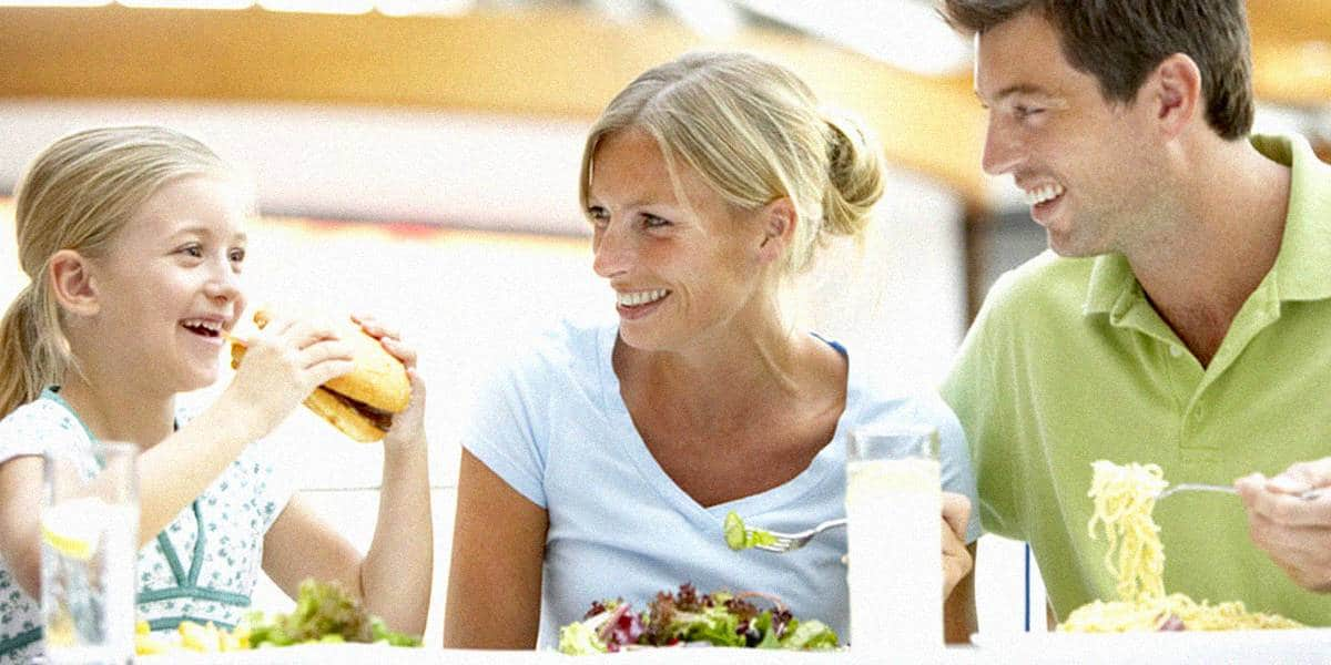 Секреты семейного общения за столом - 5 советов