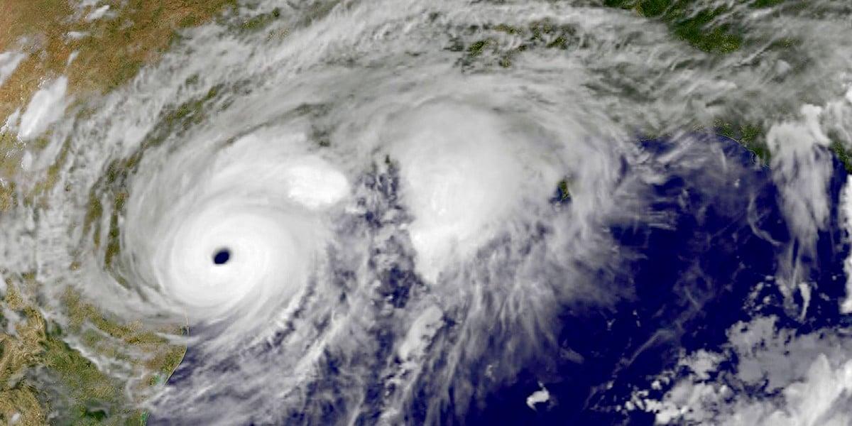 """Просьба о молитве за пострадавших от урагана """"Харви"""""""