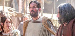 Почему апостол Павел благодарен, что никого не крестил?