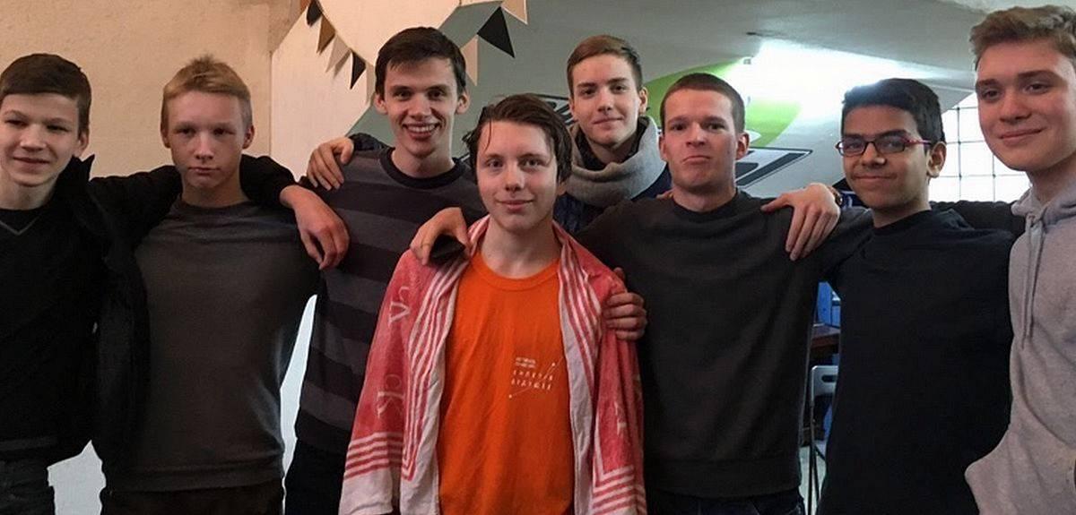 Четвертое поколение христиан в церкви Санкт-Петербурга