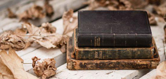 Зачем нужна Библия — человек не может общаться с Богом напрямую?