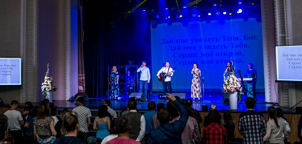 Екатеринбургская церковь отметила своё 25-летие. Запись концерта
