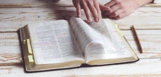 Библия — сказка, а Иисус Христос и апостолы не существовали?