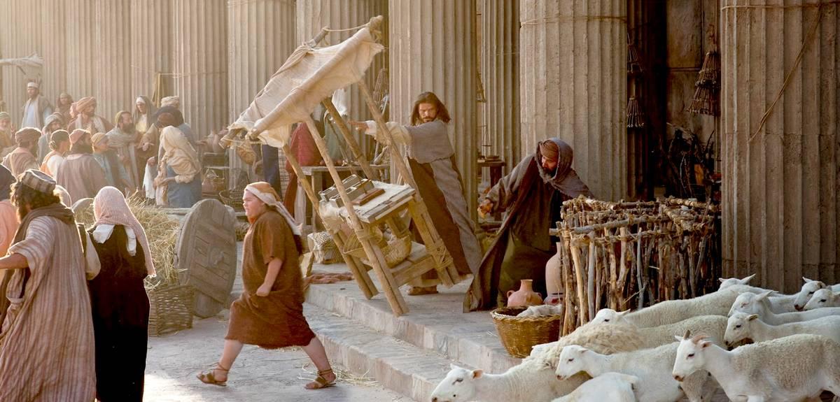 Сколько раз Иисус Христос очищал храм и выгонял менял и торговцев?