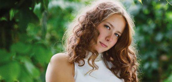 Желание научиться петь помогло Насте из Ярославля креститься