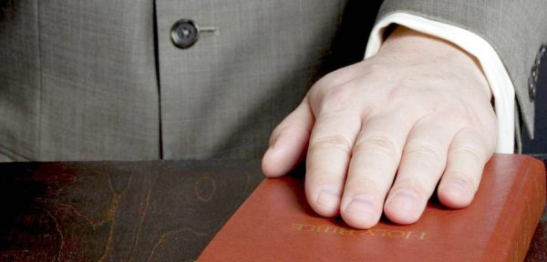 Христианство и самооборона: можно ли применять силу по Библии?