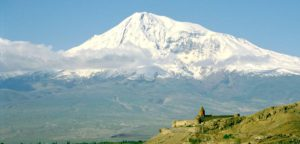 Где находятся останки Ноева Ковчега - на горе Арарат в Турции?
