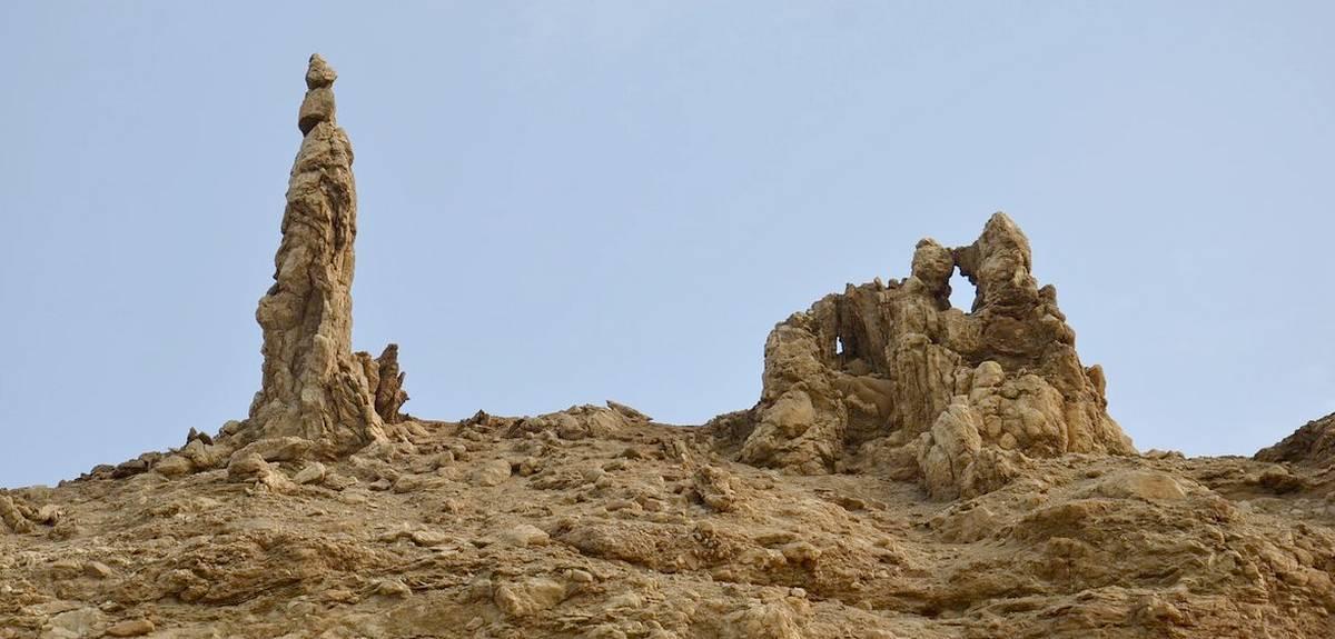 Соляной столб жены Лота находится на Мертвом море в Израиле?